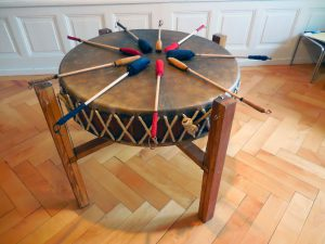 Atelier Chamanique avec tambour MamaDrum (Pow-wow)